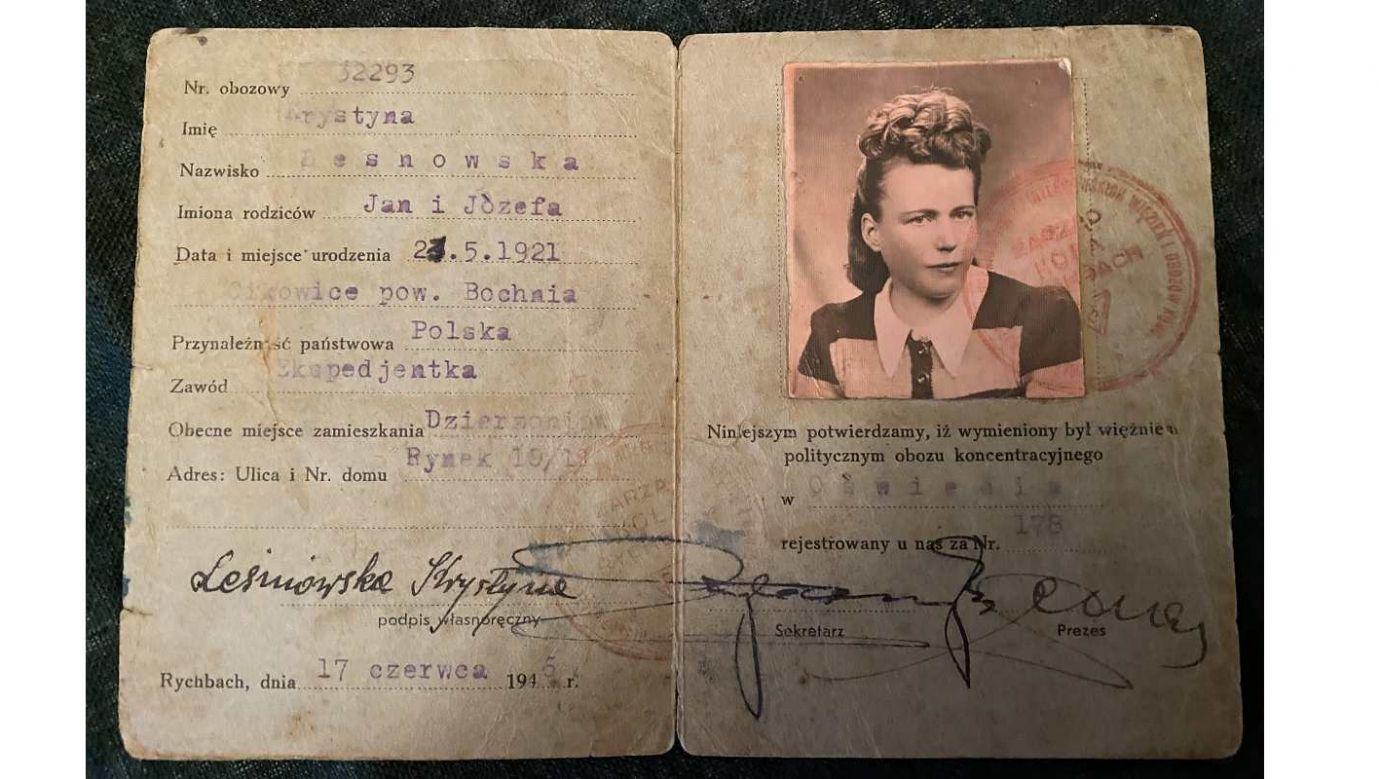"""Legitymacja """"Związku Więźniów Ideowo-Politycznych z czasów wojny 1939-1945"""", wydana na nazwisko Krystyna Leśniowska w Dzierżoniowie w 1945 roku. Fot. Archiwum rodzinne"""