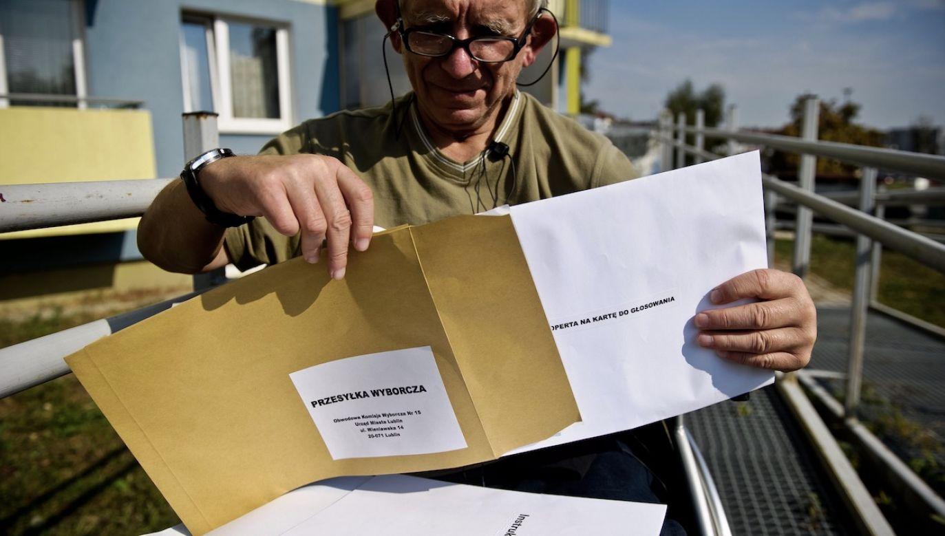 Zgodnie z projektem, w wyborach tych możliwość głosowania korespondencyjnego będzie przysługiwać wszystkim wyborcom. (fot. arch.PAP)
