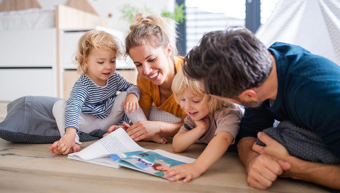 Minister Maląg o szczegółach Rodzinnego Kapitału Opiekuńczego (fot. Shutterstock/Halfpoint)