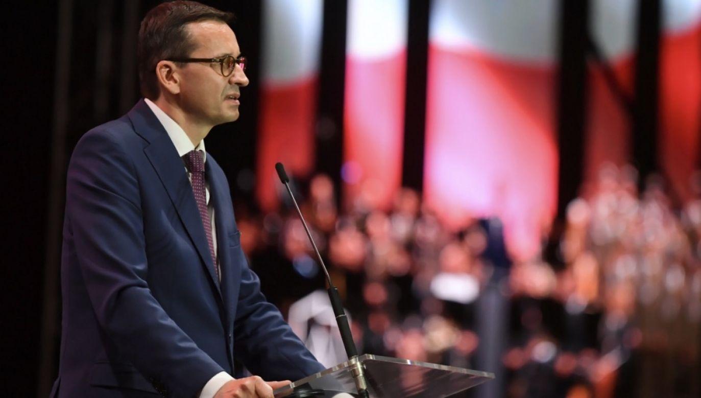 Musimy solidarnie wesprzeć Białorusinów – apeluje premier Mateusz Morawiecki (fot. PAP/Tytus Żmijewski)