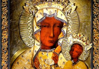 Sukienka dla Panny Maryi