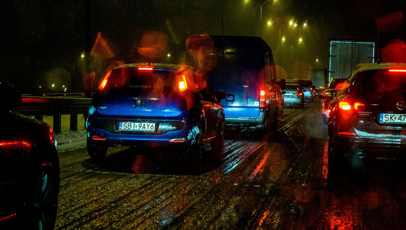 Utrudnienia mogą potrwać do godz. 22.30 (fot. arch.PAP/ Andrzej Grygiel)