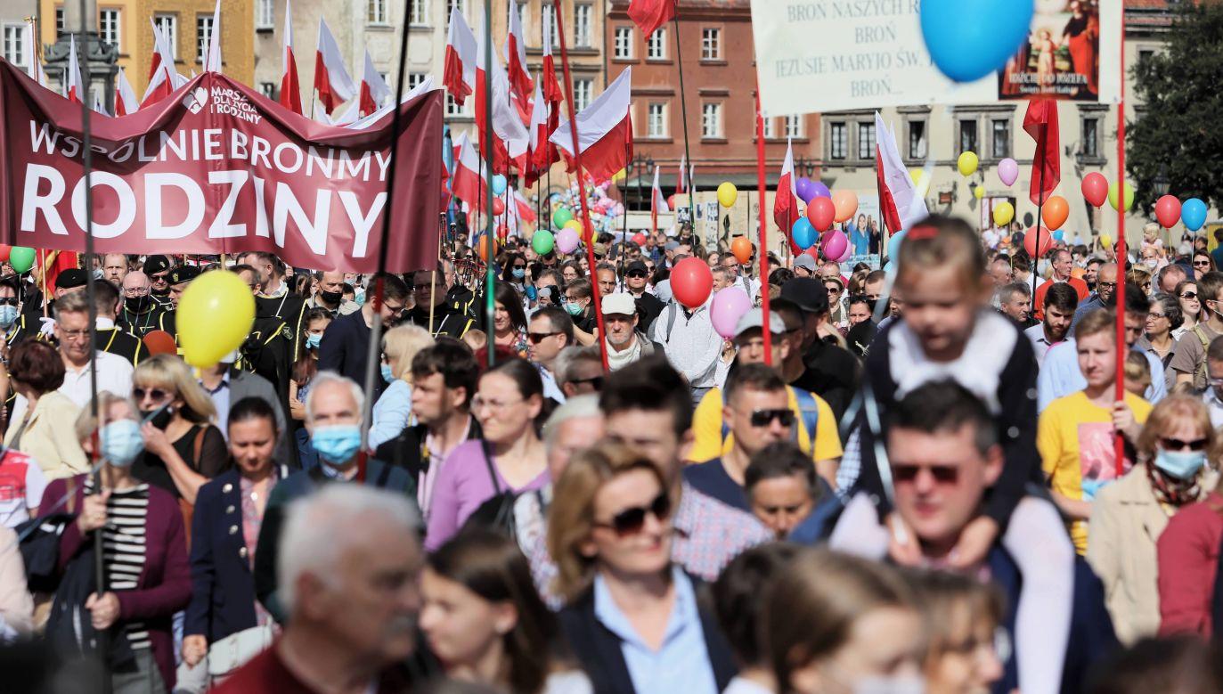 Uczestnicy wrześniowego Marszu dla Życia i Rodziny (fot. PAP/Leszek Szymański)