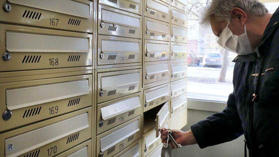 #BiuletynDoDomu będzie można odebrać w skrzynce pocztowej (fot. PAP/Paweł Supernak)