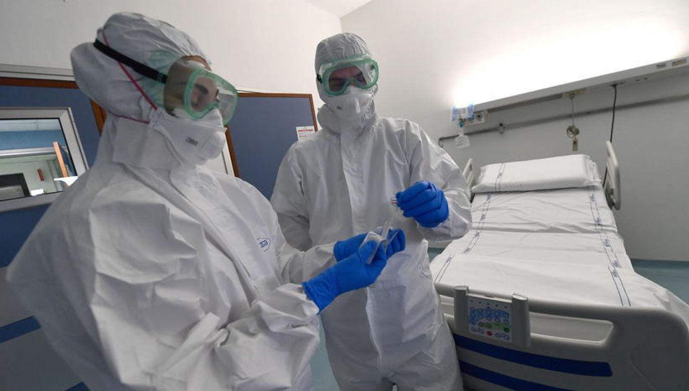 Kraj ten zdecydował się zrezygnować z lockdownu na początku pandemii (fot. LUCA ZENNARO/PAP/EPA)