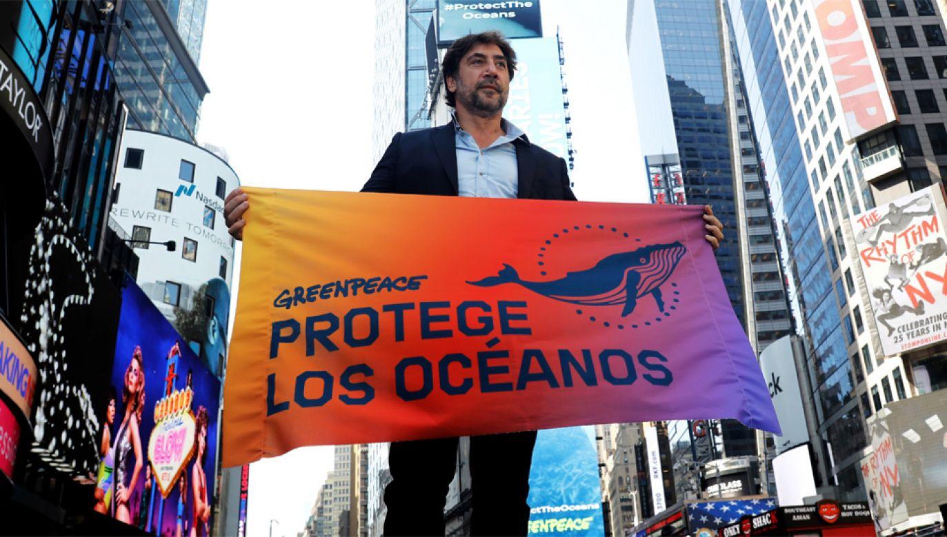 Javier Bardem od dawna aktywnie działa na rzecz ochrony środowiska naturalnego (fot. PAP/EPA/PETER FOLEY)