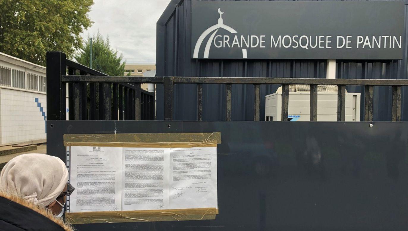 Zamknięcie tego największego we Francji miejsca kultu dla muzułmanów ogłosił w poniedziałek wieczorem szef francuskiego MSW Gerald Darmanin (fot. REUTERS/Antony Paone)