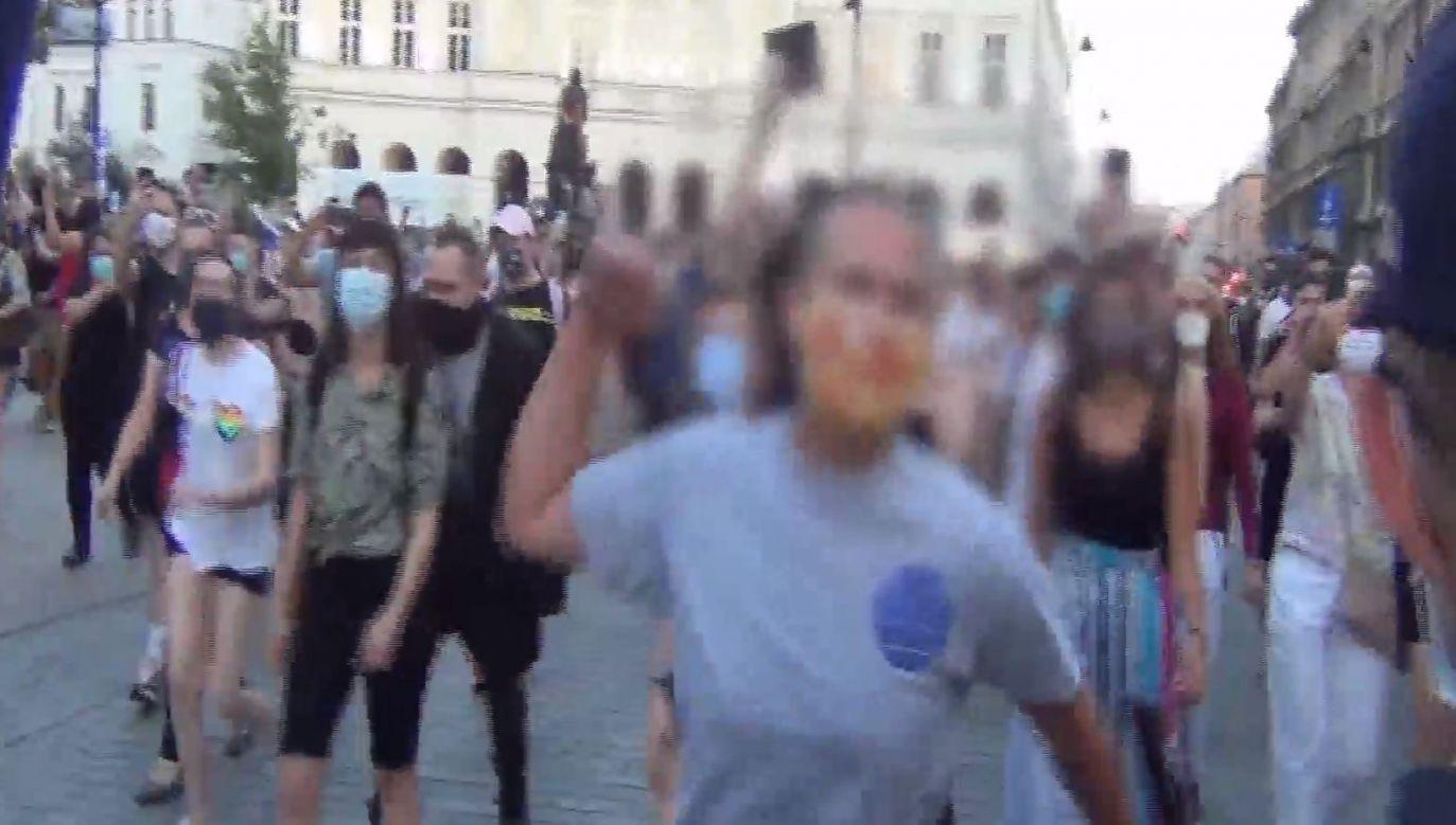 Wulgare ataki na policjantów - wszystkio widać na filmie (fot. policja)