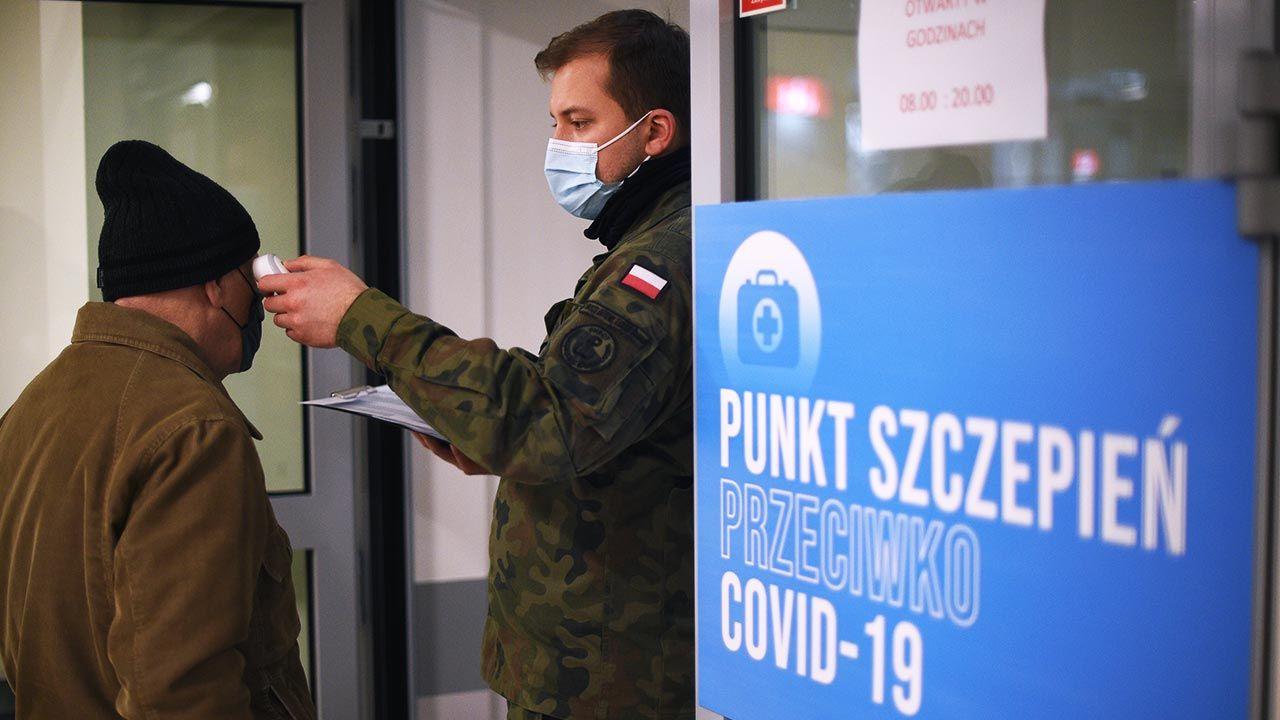 O akcji poinformował na Twitterze minister obrony narodowej Mariusz Błaszczak (fot. Forum/ Adam Chelstowski)