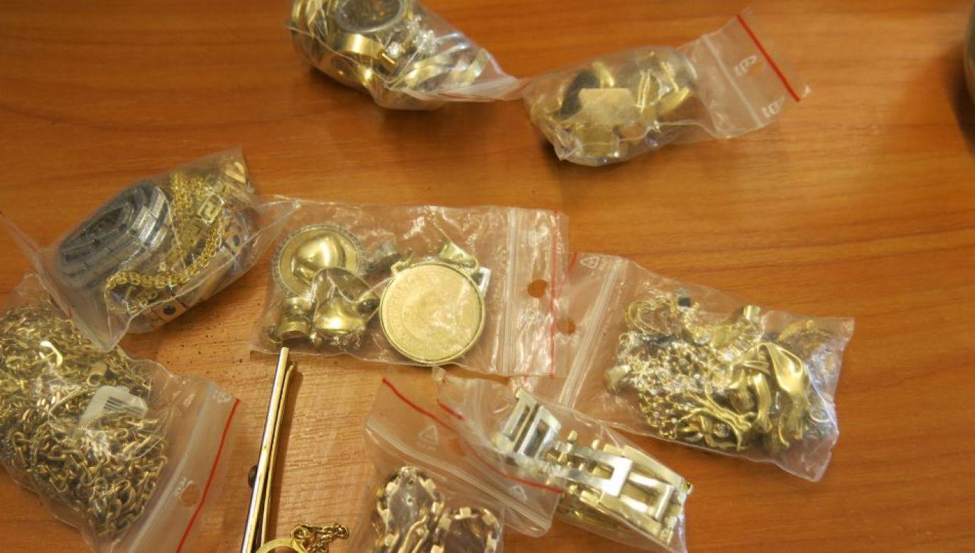 """""""Vatsterzy"""" mogli wykorzystać do swoich przekrętów złoto z przetopionych, kradzionych kosztowności (fot. KSP/zdjęcie ilustracyjne)"""