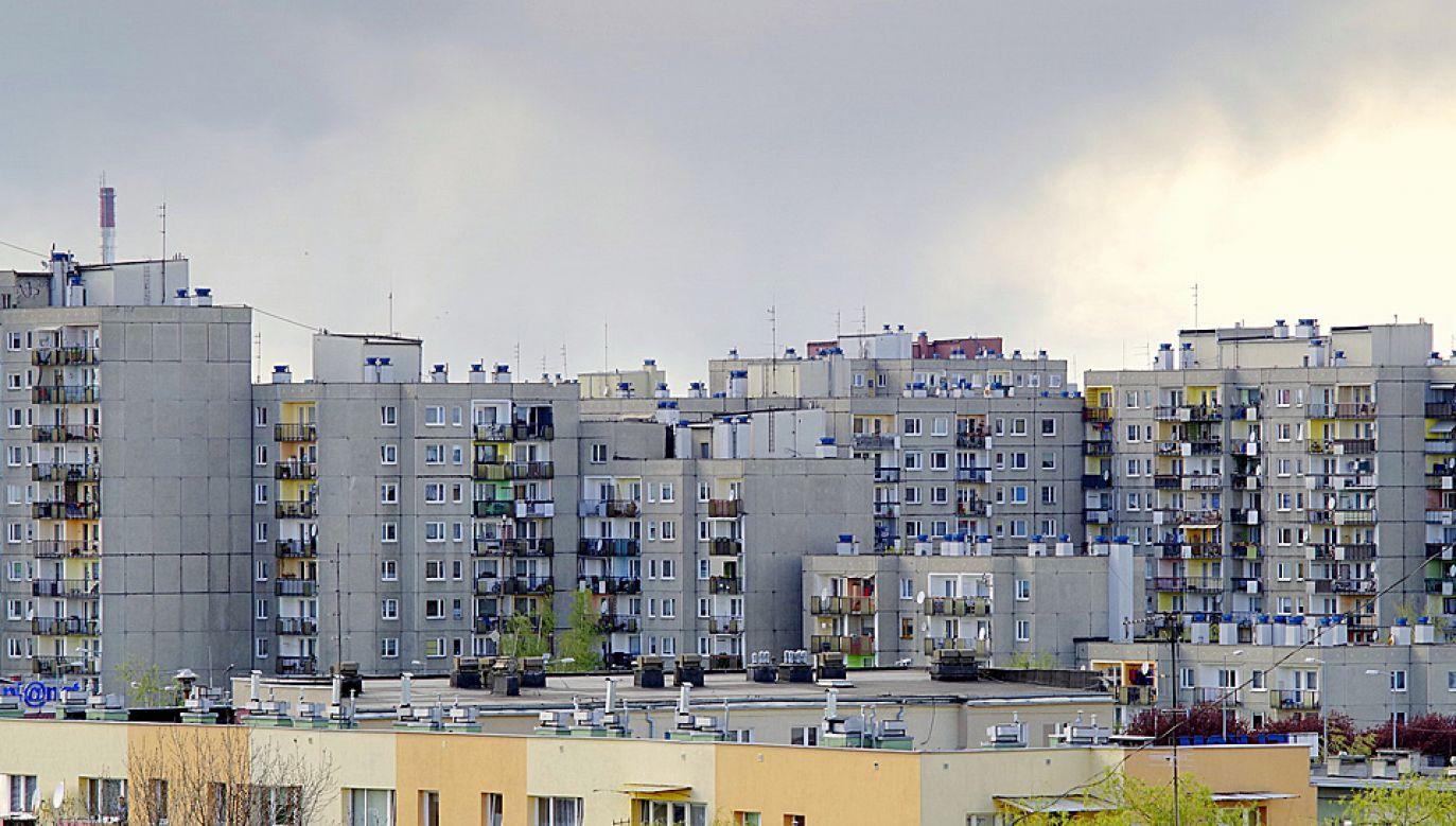 Osiedla bloków, które powstały w czasie PRL, bardzo długo nie miały dobrej opinii (fot. Pixabay/Arcaion)