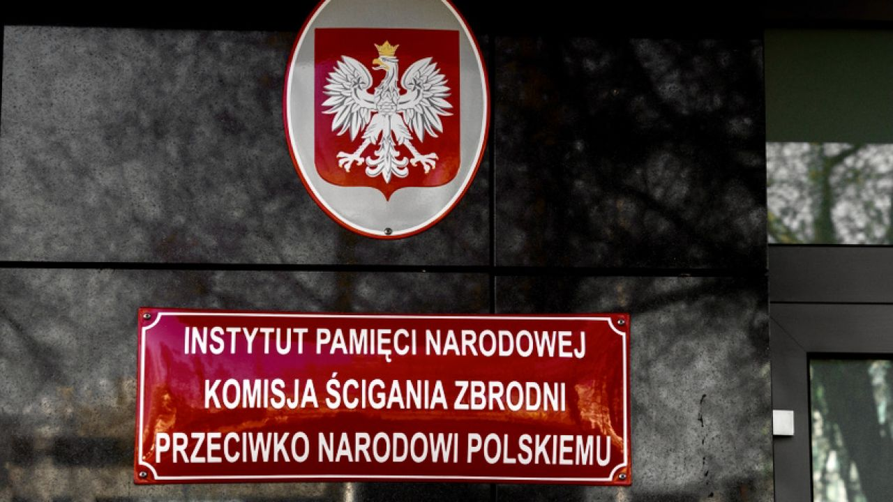 Facebookowi nie spodobał się post o germanizacji polskich dzieci podczas II wojny światowej (fot. Shutterstock/Lukasz Wrobel)