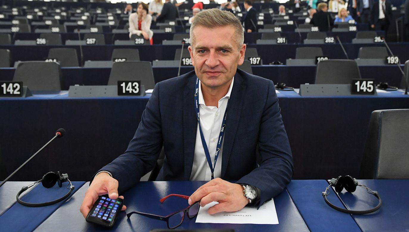 Czas na zgłaszanie kandydatów do udziału w prawyborach prezydenckich w PO upływa we wtorek o północy (fot. arch, PAP/Radek Pietruszka).