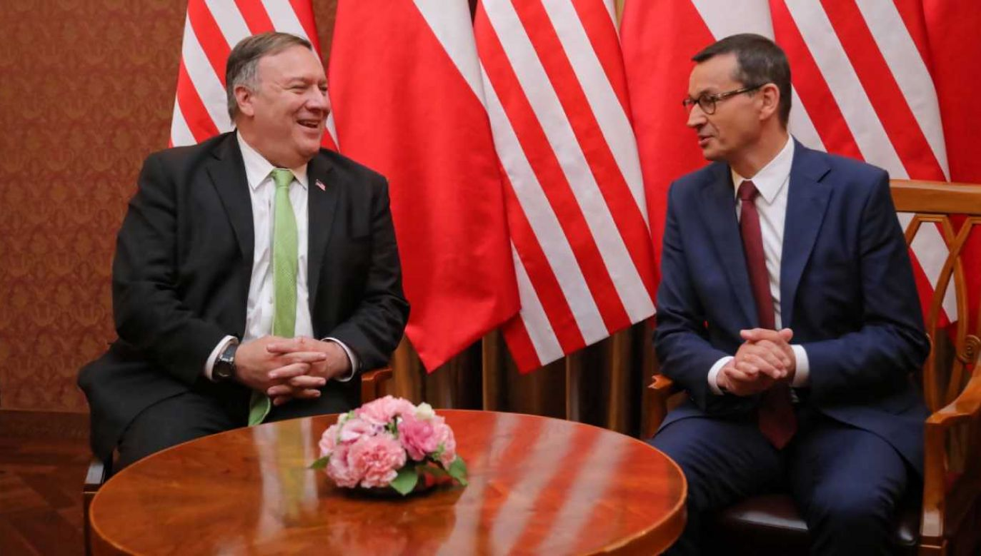 Sekretarz stanu USA Mike Pompeo (L) i premier RP Mateusz Morawiecki (P) podczas spotkania w KPRM w Warszawie (fot. PAP/Wojciech Olkuśnik) Szerokość: 1280px; Wysokość: 720px