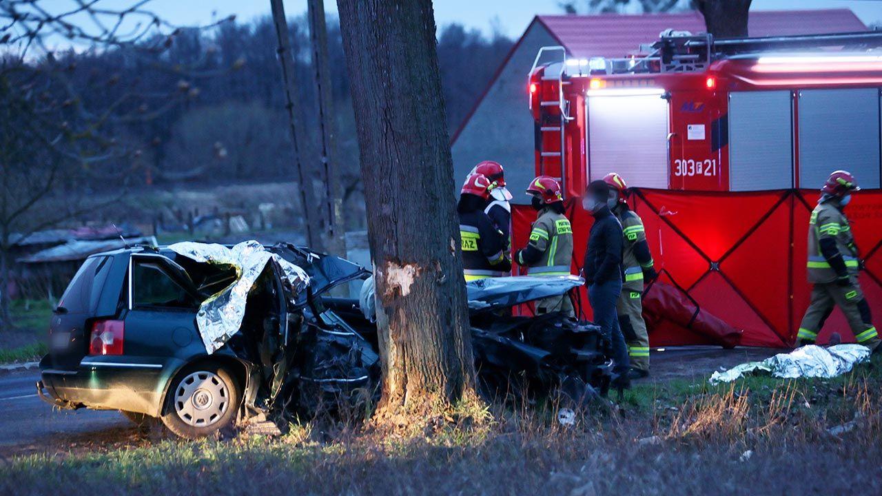 Mężczyzna zginął na miejscu (fot. PAP/Lech Muszyński)