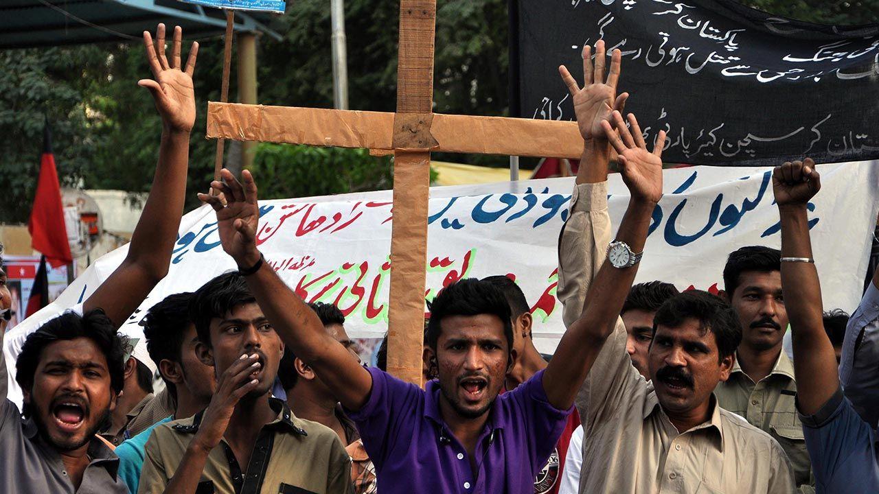 Oskarżenie o bluźnierstwo w mieście Lahaur wywołało niezadowolenie społeczne przeciwko chrześcijanom (fot. PAP/ EPA/SHAHZAIB AKBER, zdjęcie ilustracyjne)